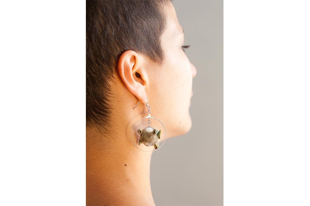 Boucles d'oreilles soie et laine, gaude et indigo, 4.5cm